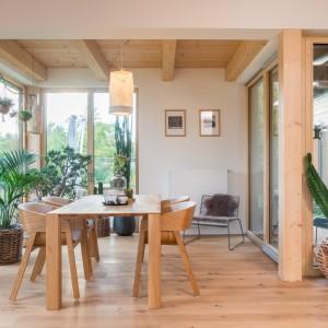 Dům v říši dřeva a rostlin
