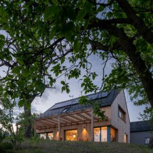 Dům s výhledem na Trosky